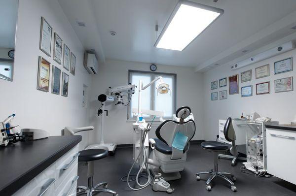 stomatologija-Kieva-Klinika-mikroinvazivnoj-stomatologii-NanoClinic-foto-2