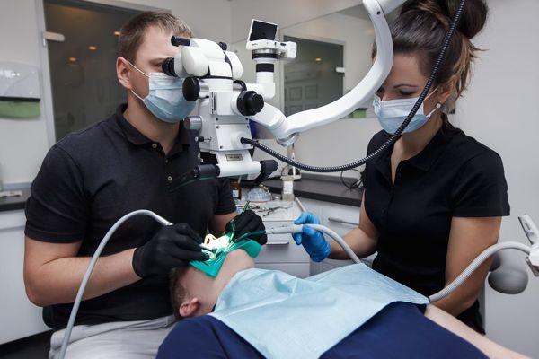 stomatologija-Kieva-Klinika-mikroinvazivnoj-stomatologii-NanoClinic-foto-3