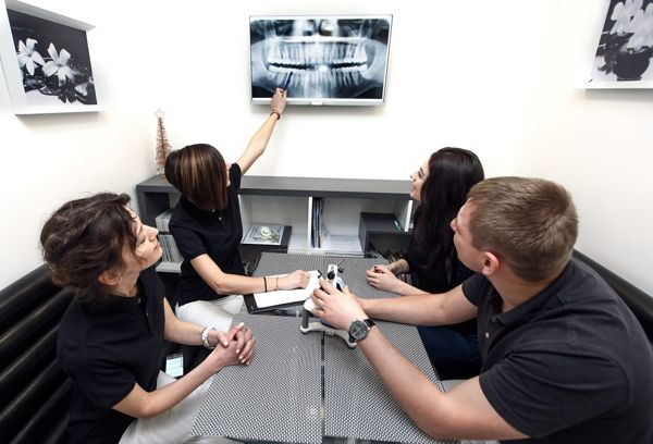 stomatologija-Kieva-Klinika-mikroinvazivnoj-stomatologii-NanoClinic-foto-8