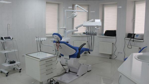 stomatologija-Kieva-Ukrainskij-stomatologicheskij-centr-foto-1