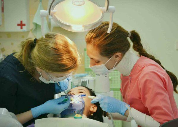 stomatologija-Kieva-Imperija-Dentis-foto-2